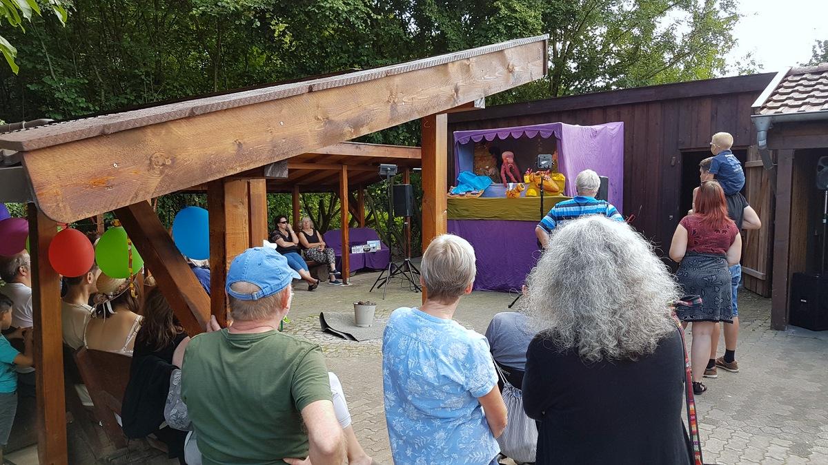 Puppentheater Lila Bühne