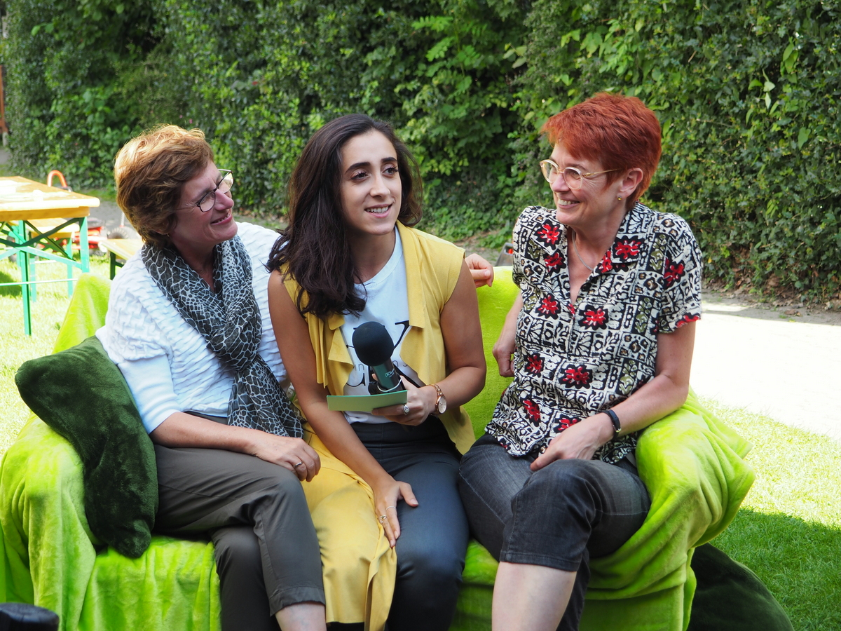Sofa-Gespräch: Britta, Nucan und Ute (v.l.n.r.)